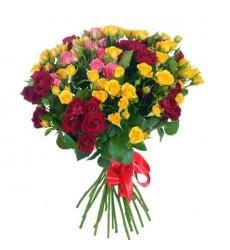 Букет из 29 кустовых роз «Дыхание лета»