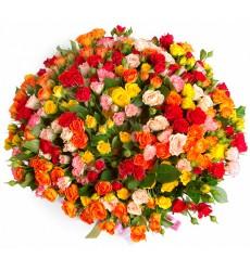 Букет из 365 цветных роз «Яркие мгновения»