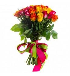 Букет из 21 разноцветной кенийской розы «Элизабет »