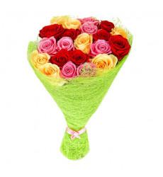 Букет-микс из 23 разноцветных роз  «Многоцветье »