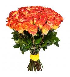 Букет из 23 желто-оранжевых роз  «Мадонна»