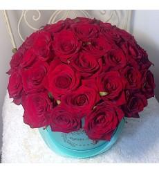 Цветы в шляпной коробке с 35 розами Гран При «Мечта творца»