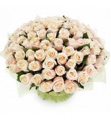 Букет из 51 кремовой розы «Небесный поцелуй»
