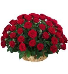 Корзина цветов с 75 красными розами «Амор-Амор»