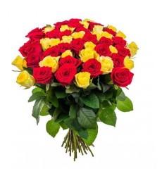 Букет-микс из 45 роз «Гармоничный союз»