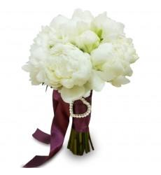 Букет невесты из 7 белых пионов со стразами «Гламурный блеск»
