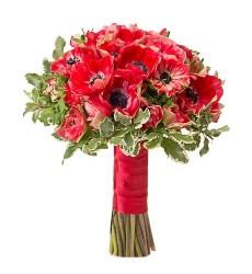 Букет невесты из 25 красных анемонов «Сияние чистой любви»