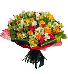 Букет из 8 орхидей, 4 роз и 12 альстромерий «Материнская любовь»