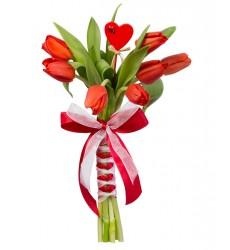 Букет невесты из 7 красных тюльпанов «Первая любовь»