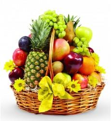 Фруктовая корзина с ананасом, манго и фруктами «Чарующая экзотика»