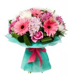 Букет из 3 альстромерий, 5 гербер, 7 роз и 13 хризантем «Сарсуэла »