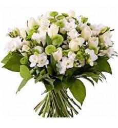Букет из 12 тюльпанов и 20 фрезий «Нежная аура»