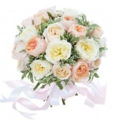 Букет из 21 белой пионовидной розы «Белые пуанты»
