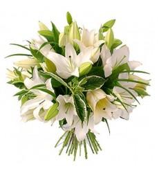 Букет из 15 белых лилий «Воздушный танец»