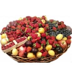 Фруктовая корзина с ягодами и фруктами «Дары природы»