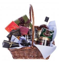 Подарочная корзина с кофе, сладостями и французским коньяком Tiffon Reserve V.S.O.P. «Благородному джентльмену»
