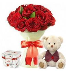 Подарочный набор мишка, букет из 11 роз Гран При и конфеты Raffaello  «Без ума от тебя»