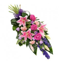 Букет из лилий, роз, эустом и гвоздик «Богатство цветов»