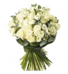 Букет из 21 ранункулюса и 16 роз «Нежный тандем»