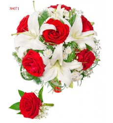 Букет невесты из 2 веток лилии, 7 роз, кустовой хризантемы и зелени «Свадебный фурор»