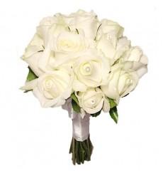 Букет невесты из 15 белых роз «Белоснежный пломбир»