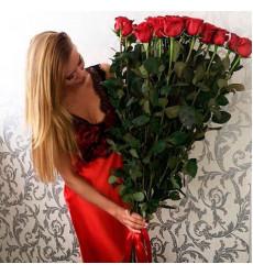 Букет из 25 красных роз «Страстный поцелуй»