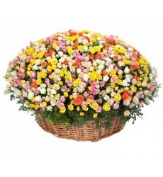 Корзина цветов с 201 кустовой розой «Романтический вечер»