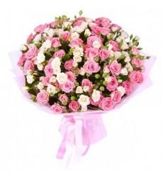 Букет из 25 кустовых роз «Цветные мечты»