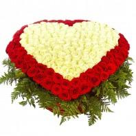 Корзина цветов с 201 красной розой Гран При «Поэма о любви»