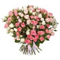 Букет из 39 кустовых роз «Ангельский поцелуй»