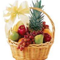 Фруктовая корзина с ананасом и фруктами «Сказочный сад»