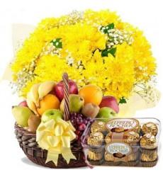 Подарочный набор букет, фруктовая корзина и конфеты Ferrero Rocher «Солнечные сласти»