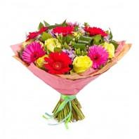 Букет из 7 гербер и 8 роз «Акварель»