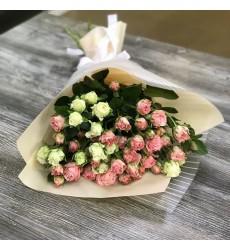 Букет  из 11 кустовых роз «Нежная принцесса»