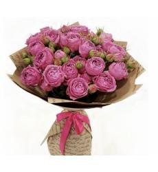Букет из 19 кустовых роз Мисти Баблз «Розовый флёр»