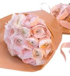Букет из 19 розовых ранункулюсов «Розовый блюз»