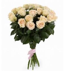 Букет из 21 кремовой розы «Трепетная любовь»