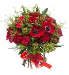 Букет из 5 анемонов и 20 пионовидных роз  «Искренняя любовь»