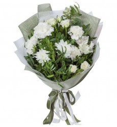 Букет из альстромерий, роз и кустовых хризантем «Серебряное сияние»