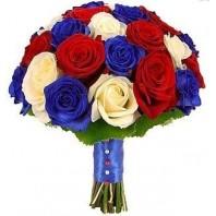 Букет невесты из 31 красной, белой и синей роз «Родные просторы»