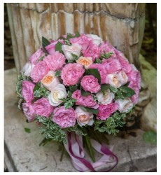 Букет из 16 роз Дэвид Остин и 23 роз Mayras Rose «Время романтики»