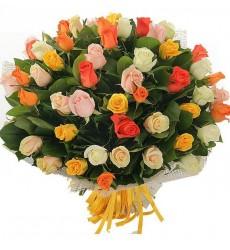 Букет из 51 разноцветной розы «Прекрасная сказка»