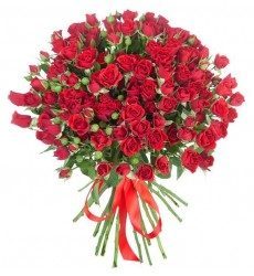 Букет из 25 красных кустовых роз «Чарующий винтаж»