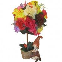 Композиция из искусственных цветов и фруктов «Гномик в саду»