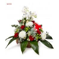 Корзина цветов с 25 розами «Викторианская романтика»