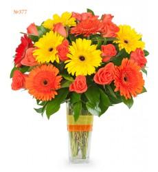 Букет из 10 гербер и 15 роз «Летняя эйфория»