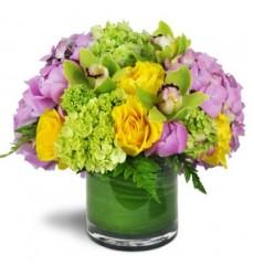 Букет из 7 роз, 5 гортензий и 4 орхидей «Милая собеседница»