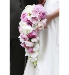 Букет невесты из 17 пионовидных роз и 9 пионов «Свадебный блюз»