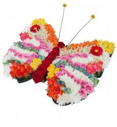 Цветочная композиция из кустовых хризантем, роз, гортензий и декора «Цветочная бабочка»