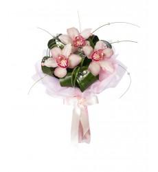 Букет невесты из 3 орхидей и зелени «Таинство брака»